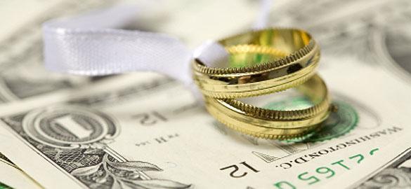 Money-saving moving tips for newlyweds